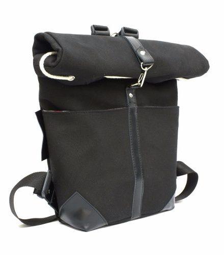 http://articulo.mercadolibre.com.ar/MLA-628350592-mochilas-de-lona-y-cuero-dos-tamanos-en-uno-estilo-roll-top-_JM