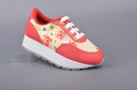 http://articulo.mercadolibre.com.ar/MLA-610592294-zapatilla-nena-dos-colores-moda-livianas-antideslizantes-_JM