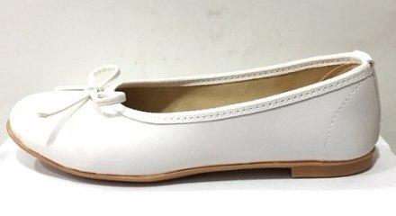 http://articulo.mercadolibre.com.ar/MLA-617648333-zapatos-balerinas-para-comunion-n34-al-40-mundo-ukelele-_JM