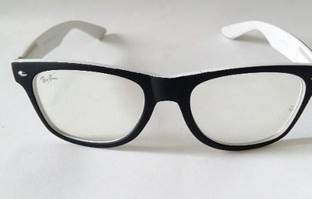 http://articulo.mercadolibre.com.ar/MLA-612330497-armazon-anteojos-wayfarer-clea-en-negro-y-blanco-combinados-_JM
