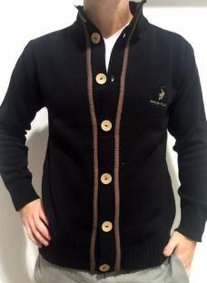 http://articulo.mercadolibre.com.ar/MLA-616224365-camperas-forever-polo-sweaters-hombre-originales-_JM