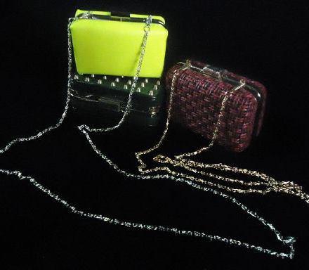http://articulo.mercadolibre.com.ar/MLA-625789619-carteras-clutch-para-fiesta-importadas-_JM