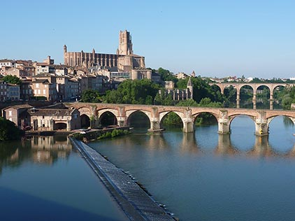 Bus rental in Albi