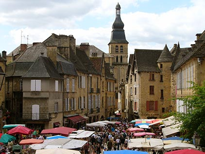 Bus rental in Sarlat