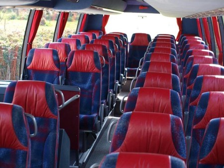 Rent a bus with driver in Martigues