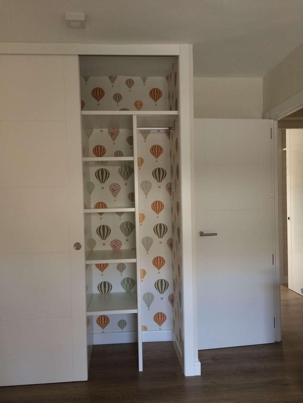 Forrar armarios con papel puertas decoradas con vinilo - Papel adhesivo para puertas ...