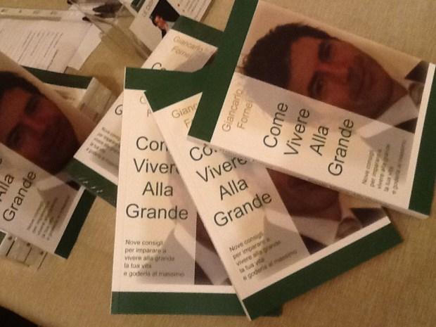 Particolare del libro motivazionale scritto dal coach Giancarlo Fornei: Come Vivere Alla Grande
