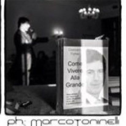 Come Vivere Alla Grande in bella vista, durante il seminario di Giancarlo Fornei a Villa Fenaroli (Brescia) marzo 2015 - versione bianco e nero
