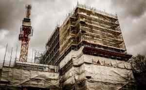 Construction scaffold safety net