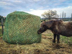 Large hay net hay bag horse feeding
