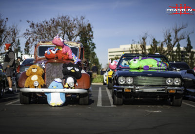 Motor 4 Toys Classic Cars and Stuffed Animals