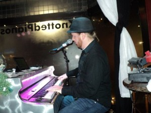 Dueling Pianos on St. Patricks Day @ Mullins Bar and Grill | Half Moon Bay | California | United States