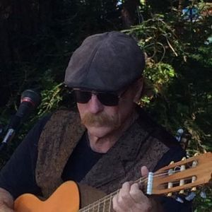 Acoustic Friday featuring Fred McCarty Duo @ Mullins Bar and Grill | Half Moon Bay | California | United States