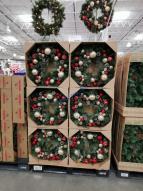 Costco-1900393-30-Decorated-Artificial-Wreath-all