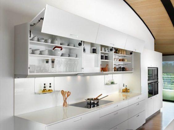 cocina-con-armarios-de-puertas-abatibles