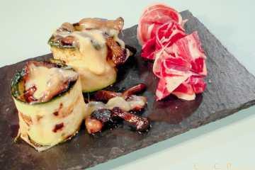 Volcan de boletus con crema de torta del Casar y jamón ibérico