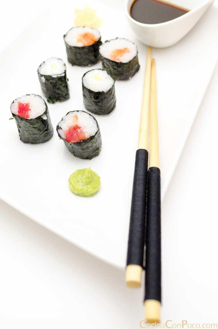 Sushi maki salmón, atún y pepino – Paso a paso
