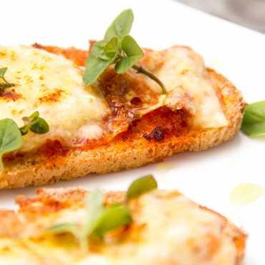 tosta de sobrasada queso y miel