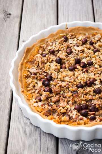 Tarta sueca de manzana con nueces almendras y avellanas