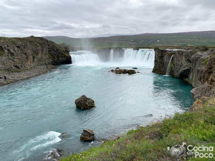 Viaje a Islandia durante el Coronavirus ruta de 10 días Godafoss