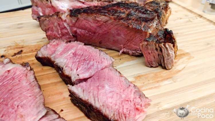 Tomahawk a la parrilla receta paso a paso - carne poco hecha o al punto