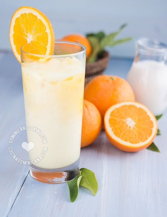Receta Morir Soñando (Jugo de Naranja y Leche): Que nombre tan hermoso y apropiado para esta deliciosa, nutritiva y refrescante bebida dominicana.