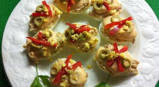 huevos rellenos con atún y mayonesa