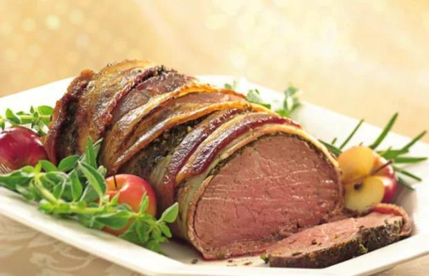 Roast beef con panceta y ajo