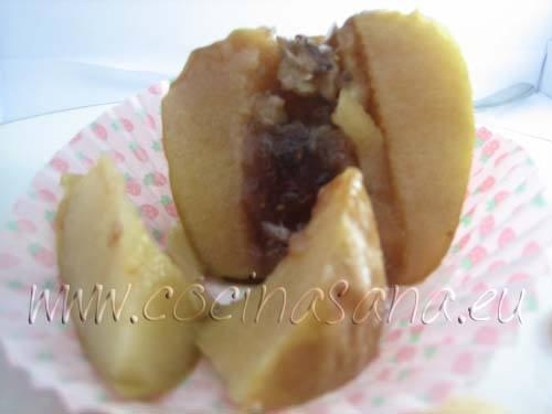 Manzanas al horno con marmelada y frutos secos: merienda sana y golosa!