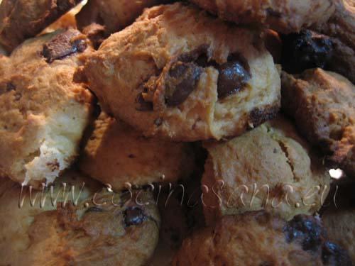 Precalienta el horno a 170 ºC y hornea las galletas durante unos 20 minutos