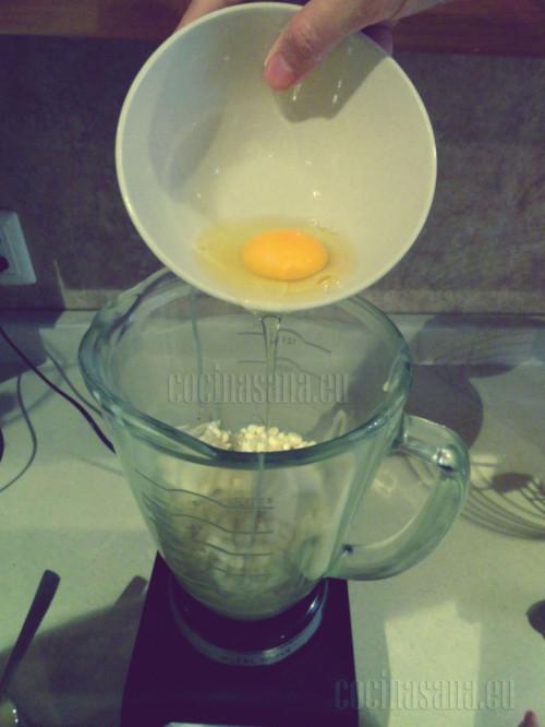 Y por último los huevos y tritúralo todo