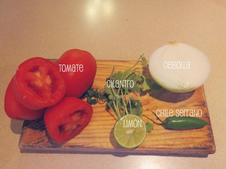 Esto son los ingredientes necesarios para la salsa pico de gallo.