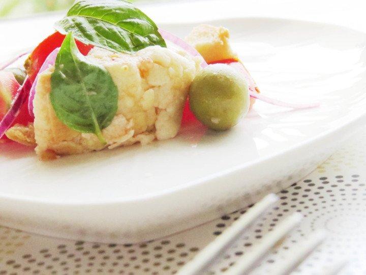 Servir la ensalada panzanella
