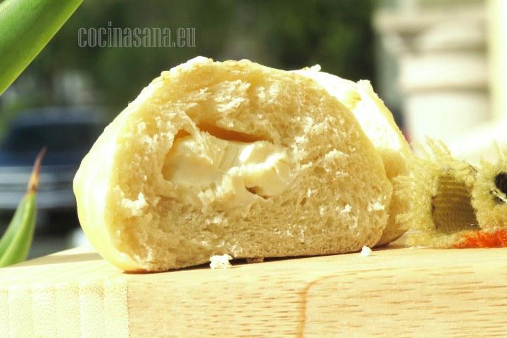 Pan relleno de queso crema deliciosa receta para compartir en familia