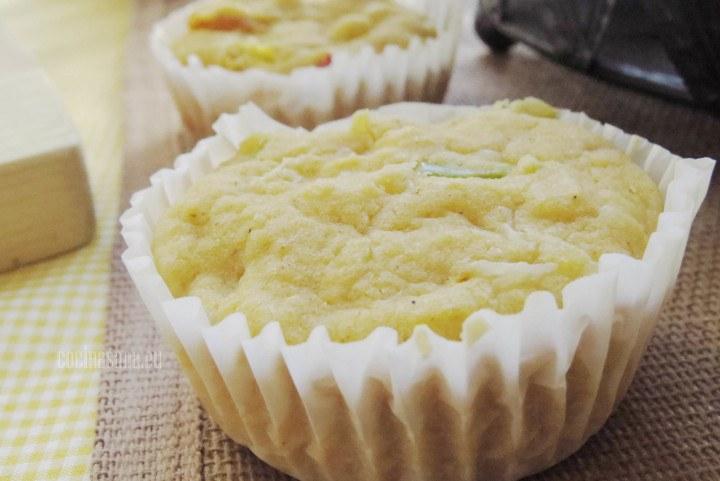 Muffin de Pimientos con trozos de maíz, queso y harina de maíz.