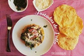Tostadas de Pollo y Chile poblano: receta mexicana