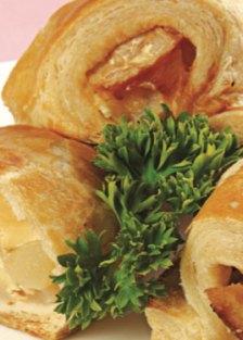 mini-strudel-de-queso-brie-con-peras