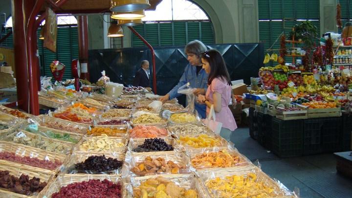 firenze-mercado-comprando-higos