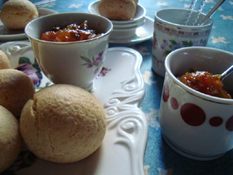 Chipá con relish de tomates. Gluten free!