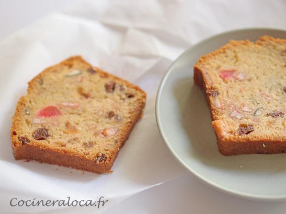 tranche de cake aux fruits confits