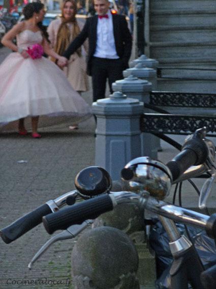 Mariés et vélo Amsterdam ©cocineraloca.fr