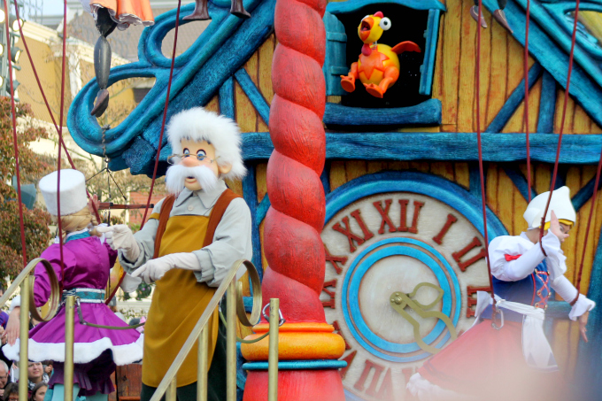 Cocktails in Teacups Disney Life Parenting Travel Blog Disneyland Paris Disney Magic on Parade Gepetto