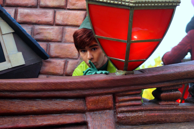 Cocktails in Teacups Disney Life Parenting Travel Blog Disneyland Paris Disney Magic on Parade Hide and Seek