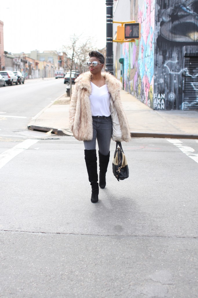 faux fur coat white top grey jeans black OTK boots mirrored sunglasses winter 2016 finale