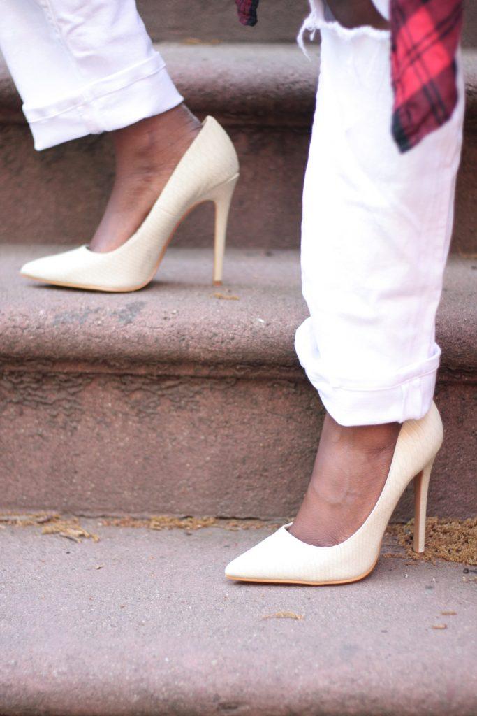 boyfriend jeans white pumps spring NYC fashion