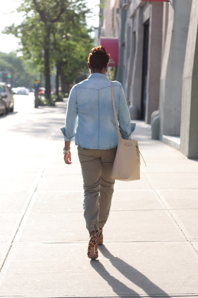 summer staples chambray shirt white tshirt olive joggers leopard pumps bucket bag rear