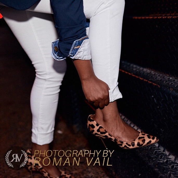 navy blazer denim jacket striped shirt white jeans leopard pumps detail summer 2016 fashion