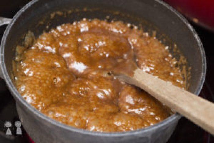 Easy Caramel Sauce, caramel, homemade caramel sauce, caramel sauce with brown sugar