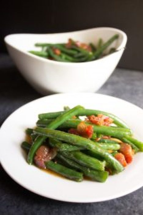 Bacon brown sugar green beans recipe side dish easter Christmas thanksgiving recipes