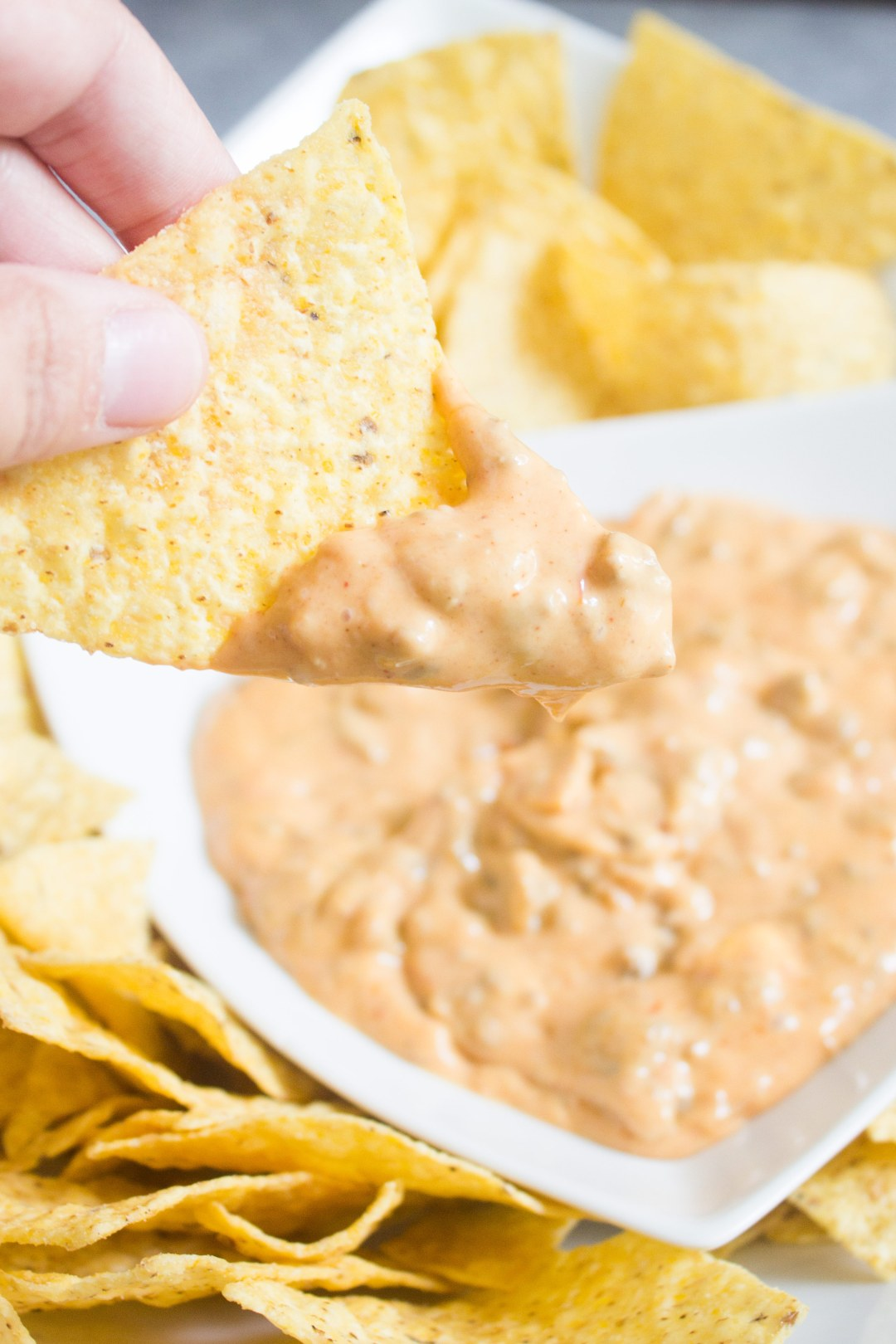 Queso Dip, slow cooker dip, slow cooker queso, cheese dip, nacho sauce, taco dip, cheese, appetizer, easy appetizer, crockpot, queso dip, recipe